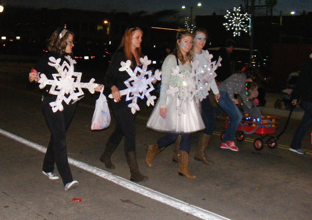 Mayor's Spirit of the Holidays Lighted Parade